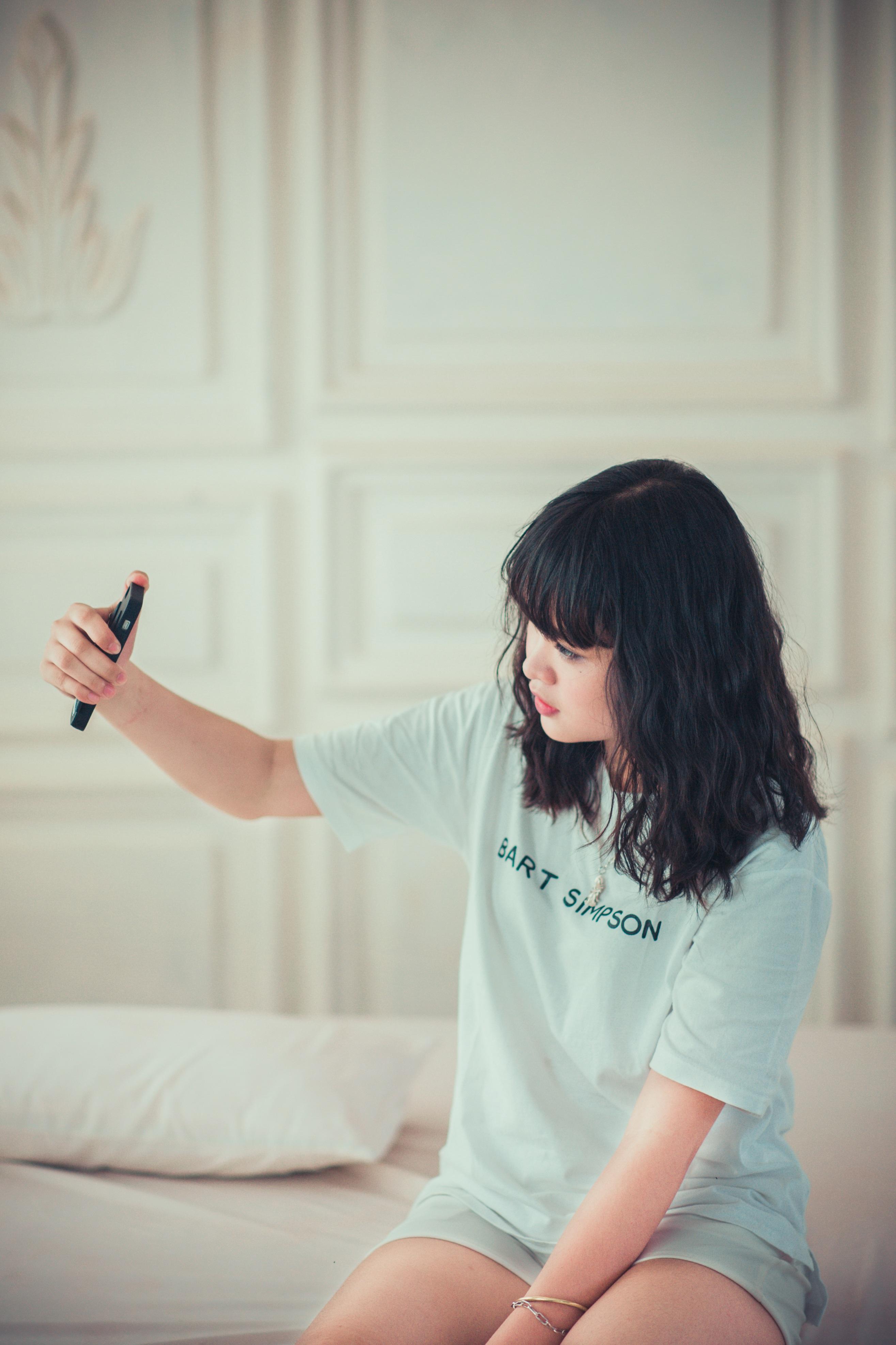girl-1733345