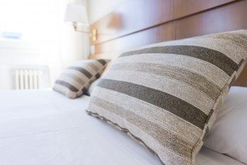 Hotelbett, Quelle: Unsplash