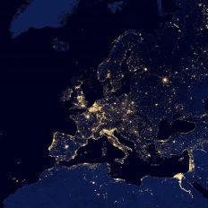 Europas Lichtermeer bei Nacht aus dem Weltall betrachtet. Quelle: publicdomainpictures.net