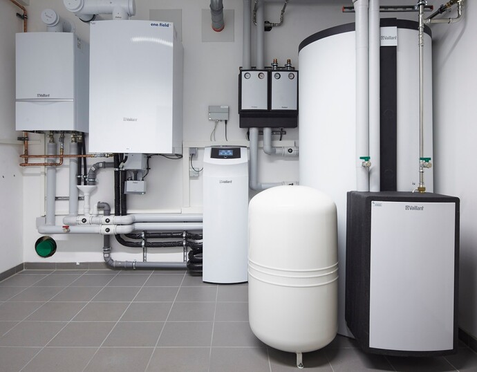 https://www.vaillant.de/media-master/global-media/vaillant/architects-planners/magazine-article/the-next-step-innovative-fuel-cell-heating/reference-de-alltusried-pictureinstallation-625896-format-flex-height@690@desktop.jpg