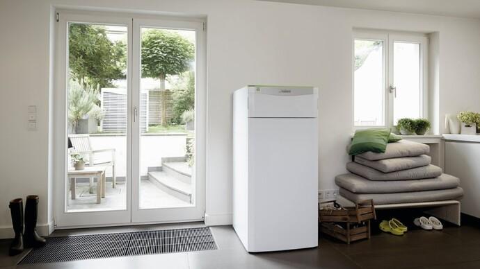 Die Sole-Wasser-Wärmepumpe flexoCOMPACT exclusive mit Warmwasserspeicher eignet sich in Leistungsstufen von 5 bis 11 kW für Ein- und Zweifamilienhäuser.