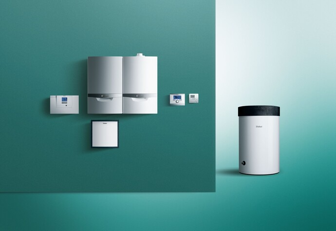 Beispiel: Sole/Wasser-Wärmepumpe geoTHERM im Hybridsystem mit dem ecoTEC plus