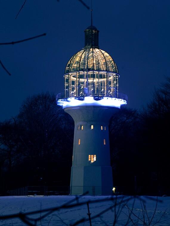 Solinger Leuchtturm bei Nacht