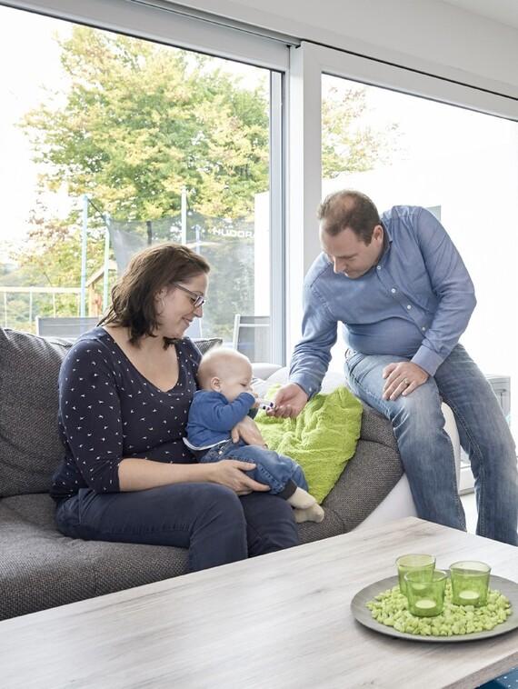 Licht durchflutete Räume, ein familienfreundlicher Grundriss und ökologisch zukunftsorientiertes Bauen, das waren für Jennifer und Christian Trautmann wichtige Entscheidungskriterien beim Bau ihres Hauses.