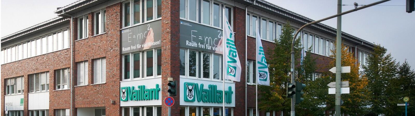 https://www.vaillant.de/vaillant-de/2-service/kontakt/standorte/vaillant-frankfurt/vaillant-frankfurt-kundenforum-571802-format-32-9@1600@desktop.jpg